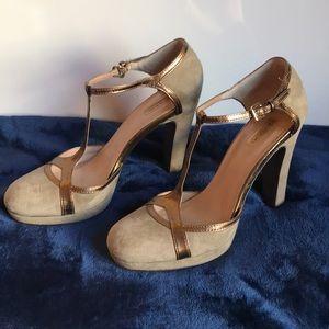 Tahari platform evening high heeled shoe